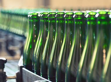 снимка на опаковане на бутилки