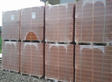 Предпазващи системи при опаковане на тухли Пакин