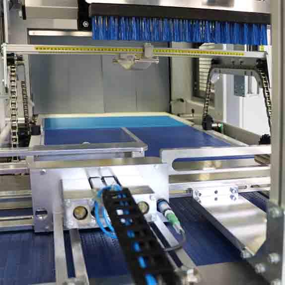 Стек опаковаща, термофолираща машина XP650-ALX Пакин