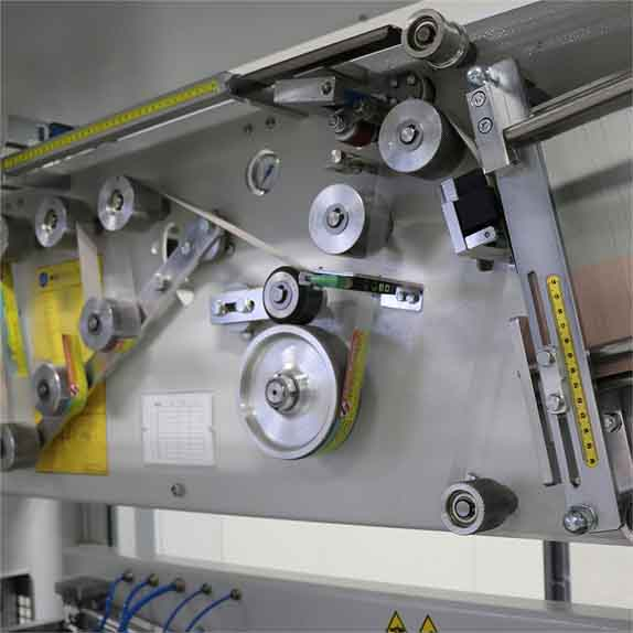 Machines for automatic laying of handlеs HA40 Packin