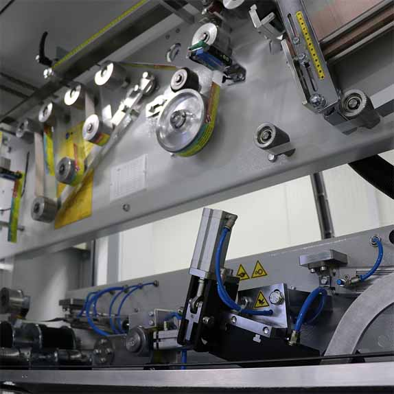 Машина за автоматично полагане на дръжки HA80 Пакин