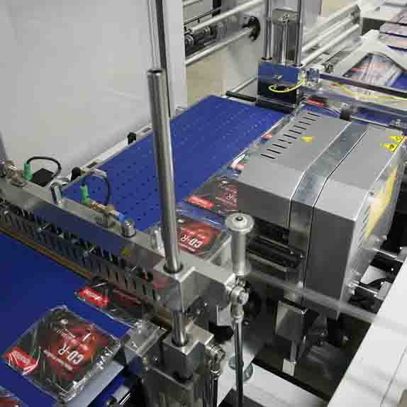 Shrink wrapping machines HS500 SERVO T452H Packin